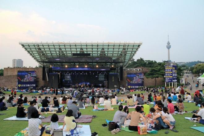 코오롱야외음악당, 두류공원 벚꽃(2020대구화보 p67)