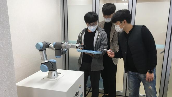 휴스타(HuStar) 로봇분야 취업자 86% 대구·경북 기업 취업
