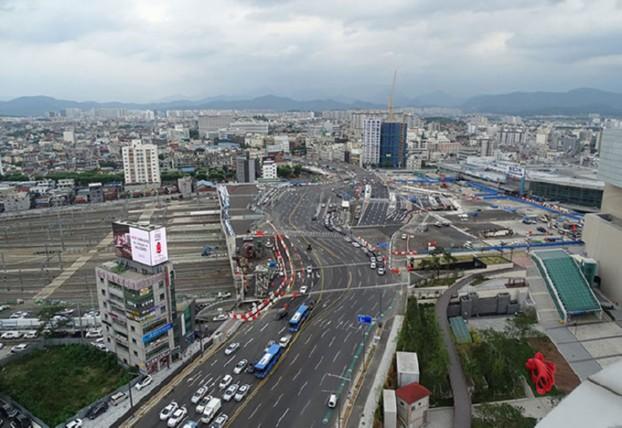 동대구역앞 고가교 설치 완료, 교통소통 원활 기대!
