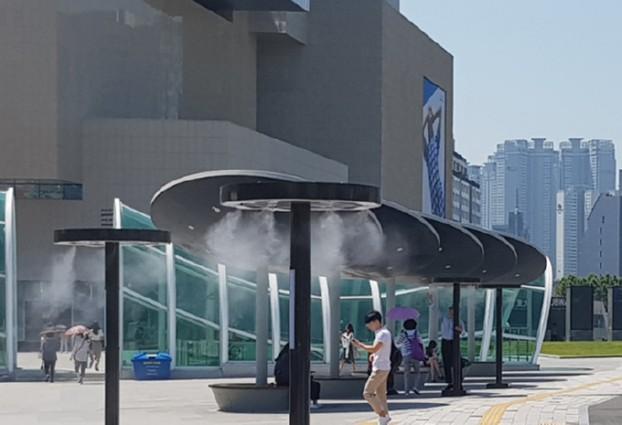 더 시원해진 동대구역광장에서 잠시 쉬어가세요!