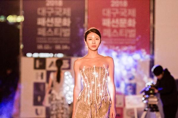 패션문화예술 도시 대구에서 펼쳐진 국내 최대 패션 쇼룸! 생생한 현장 속으로~
