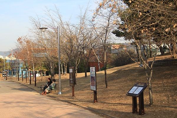 전국 최초 치매예방공원! 기억공원 걸으며 치매 예방해요 - 함지근린공원