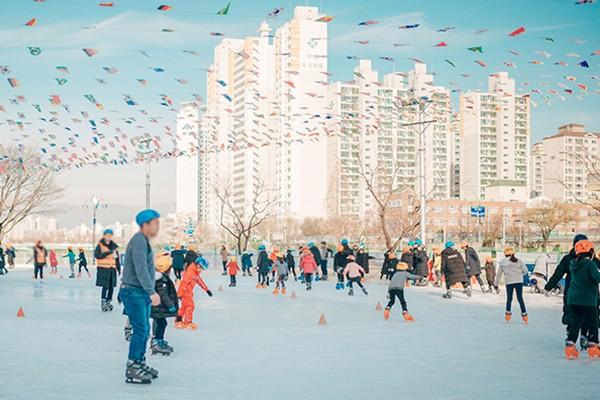 달려라 씽씽~! 신나는 겨울 놀이터! 신천 무료 스케이트장 & 민속썰매장