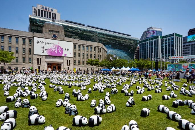 서울광장 (Seoul Plaza) ⓒAMHERST / Photo by K-images