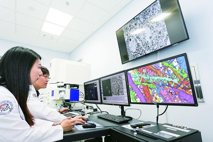 한국뇌연구원-첨단장비센터